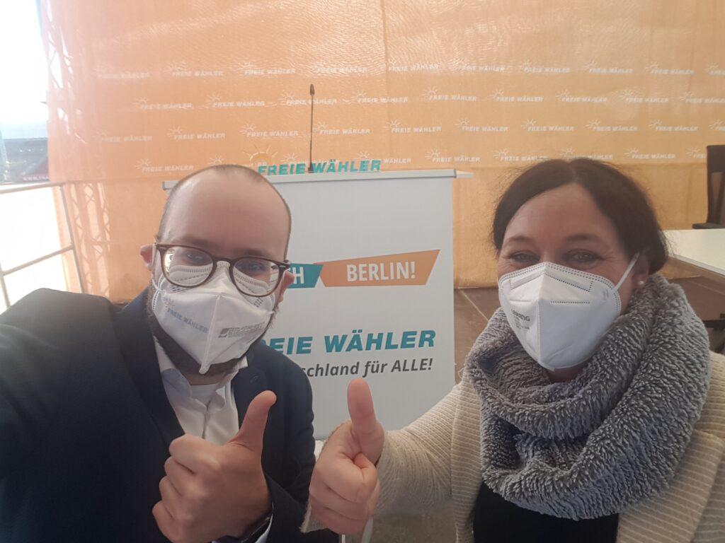 Bundestagskandidaten Felix Locke und Birgit Obermaier freuen sich auf Berlin